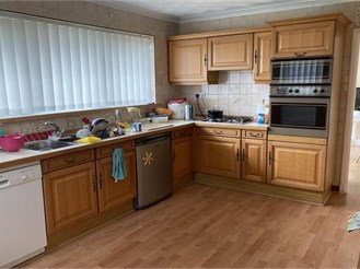 3 bed detached house in Dover
