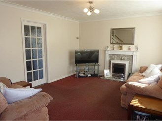 3 bedroom semi-detached house in Rainham, Gillingham
