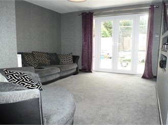 4 bedroom semi-detached house in Strood, Rochester