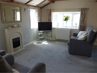 2 bed park home in Seasalter, Whitstable