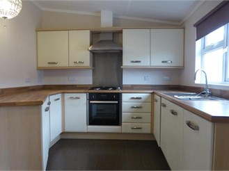2 bedroom park home in Seasalter, Whitstable