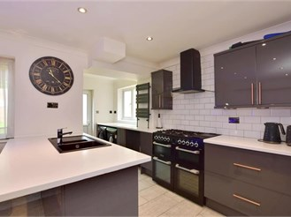 5 bedroom semi-detached house in Willesborough, Ashford