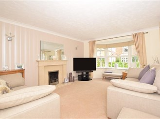 4 bedroom detached house in West Malling