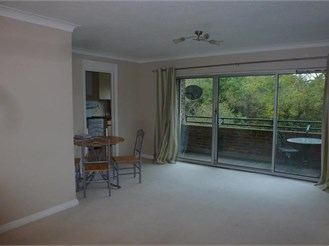 2 bedroom first floor flat in New Ash Green, Longfield