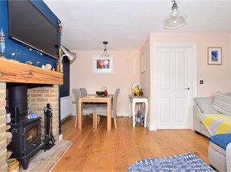 3 bedroom semi-detached house in Marden, Tonbridge