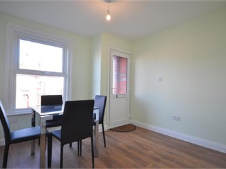 2 bed end of terrace house in Tonbridge