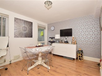 3 bed town house in Tunbridge Wells
