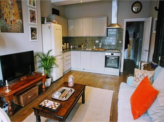 2 bedroom first floor converted flat in Margate