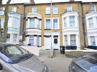 2 bed first floor converted flat in Cliftonville, Margate