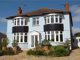 5 bedroom detached house in Cliffsend, Ramsgate