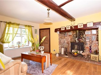 4 bed detached house in West Hougham, Dover