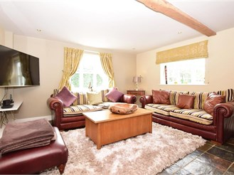 5 bedroom detached house in Canterbury