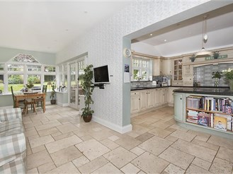 6 bedroom detached house in Broadstairs