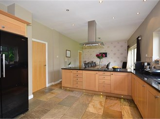 4 bed detached house in Sutton