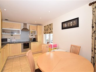 2 bedroom first floor apartment in Holborough Lakes, Snodland