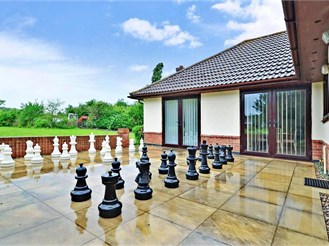 6 bedroom detached bungalow in Whitstable
