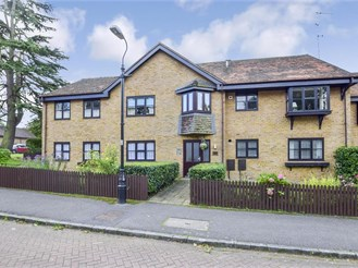 2 bed top floor flat in Eynsford