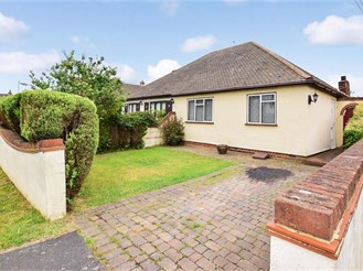 3 bedroom chalet bungalow in West Kingsdown, Sevenoaks
