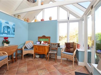 3 bedroom detached house in Faversham