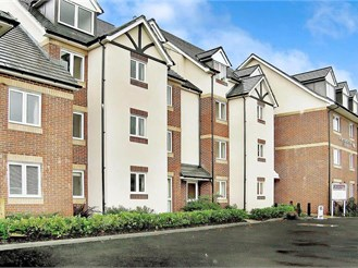 1 bedroom first floor retirement flat in Hythe