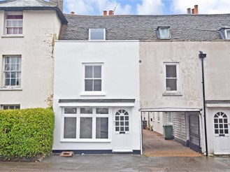 4 bedroom end of terrace house in Maidstone