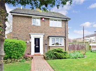 3 bedroom detached house in Rochester