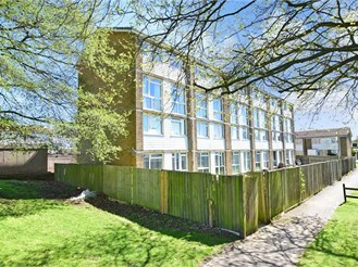 3 bedroom second floor maisonette in Dover
