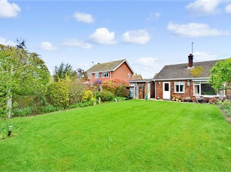 2 bedroom semi-detached bungalow in Whitstable