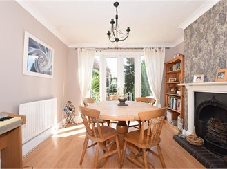 3 bedroom end of terrace house in Halling, Rochester