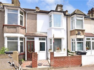 3 bedroom terraced house in Greenhithe
