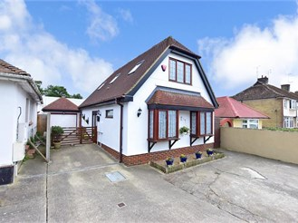 3 bedroom chalet bungalow in Margate