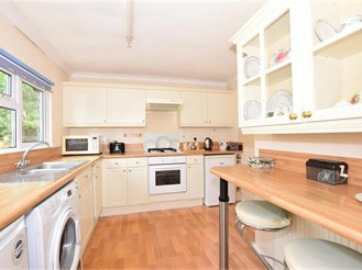 2 bedroom park home in East Farleigh, Maidstone