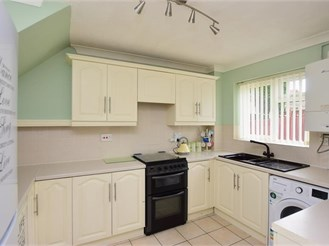 3 bedroom semi-detached house in Cliftonville, Margate