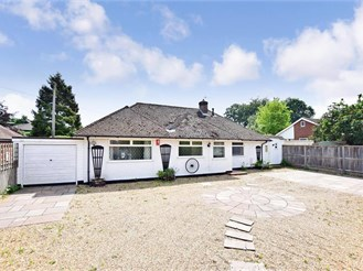 4 bedroom detached bungalow in Canterbury