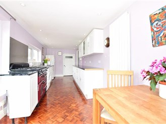 4 bedroom end of terrace house in Queenborough