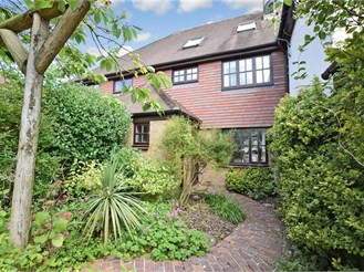 5 bedroom semi-detached house in Horsmonden, Tonbridge