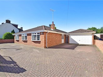 4 bedroom detached bungalow in Rainham, Gillingham
