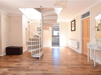 4 bedroom detached house in River, Dover