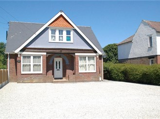 5 bedroom detached bungalow in Whitfield, Dover