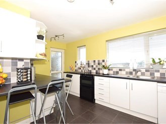 4 bedroom chalet bungalow in Guston, Dover