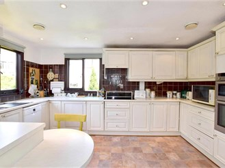 3 bedroom barn conversion in Sutton Valence, Maidstone