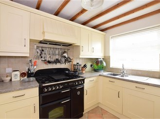3 bedroom link-detached in Staplehurst
