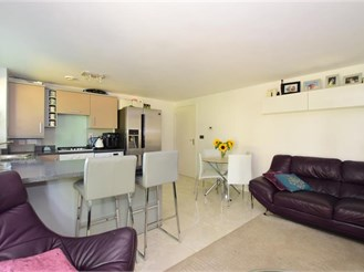 2 bedroom ground floor apartment in Dartford