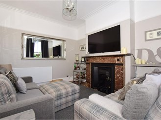 6 bedroom terraced house in Canterbury