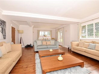 4 bedroom detached house in Hollingbourne, Maidstone