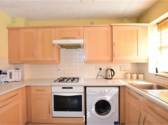 2 bedroom end of terrace house in Chatham