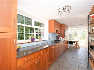 5 bedroom end of terrace house in Linton, Maidstone