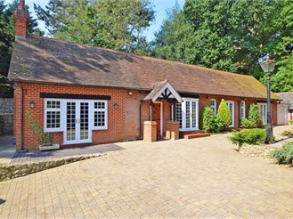 4 bedroom detached house in Westbere, Canterbury