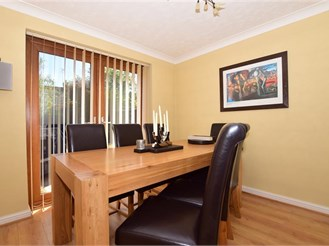 4 bedroom detached house in Halling, Rochester