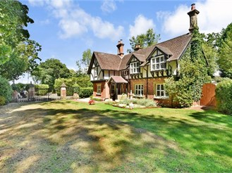5 bedroom character property in Leigh, Reigate